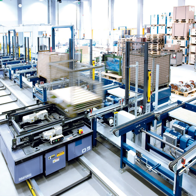 Drives for pallet conveyor technology: Dependable technology with robust design